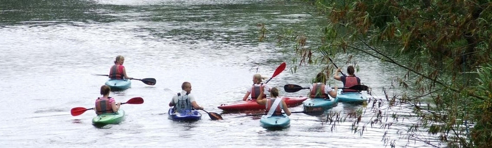 Kayak taster sessions suited to groups.